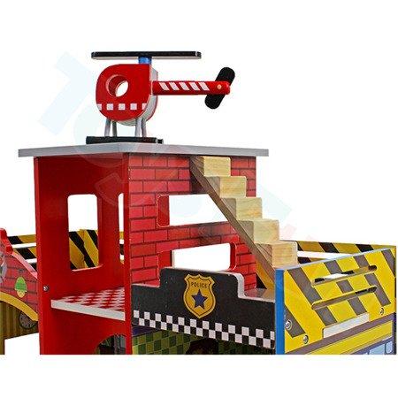 Drewniany posterunek policji + remiza strażacka